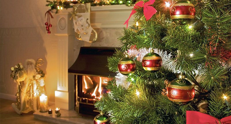 The Do S And Don Ts To Decorating The Perfect Christmas Tree