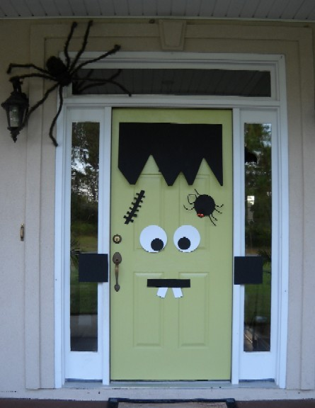 funny frankenstine 1 15 Easy Halloween Decoration Ideas For Your Home