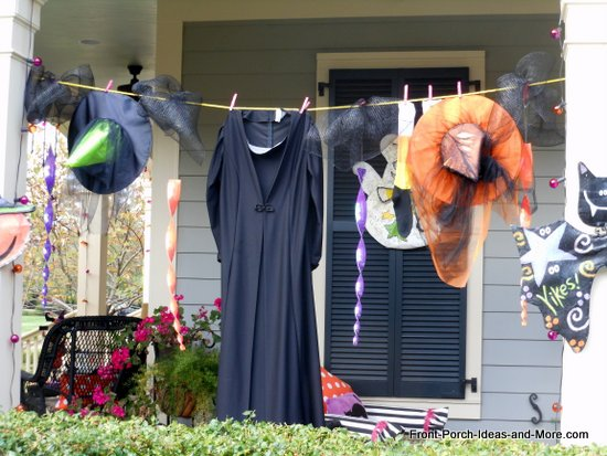 witches clothesline wh2013 15 Easy Halloween Decoration Ideas For Your Home